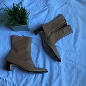 💕Etienne Aigner genuine leather ankle boots💕